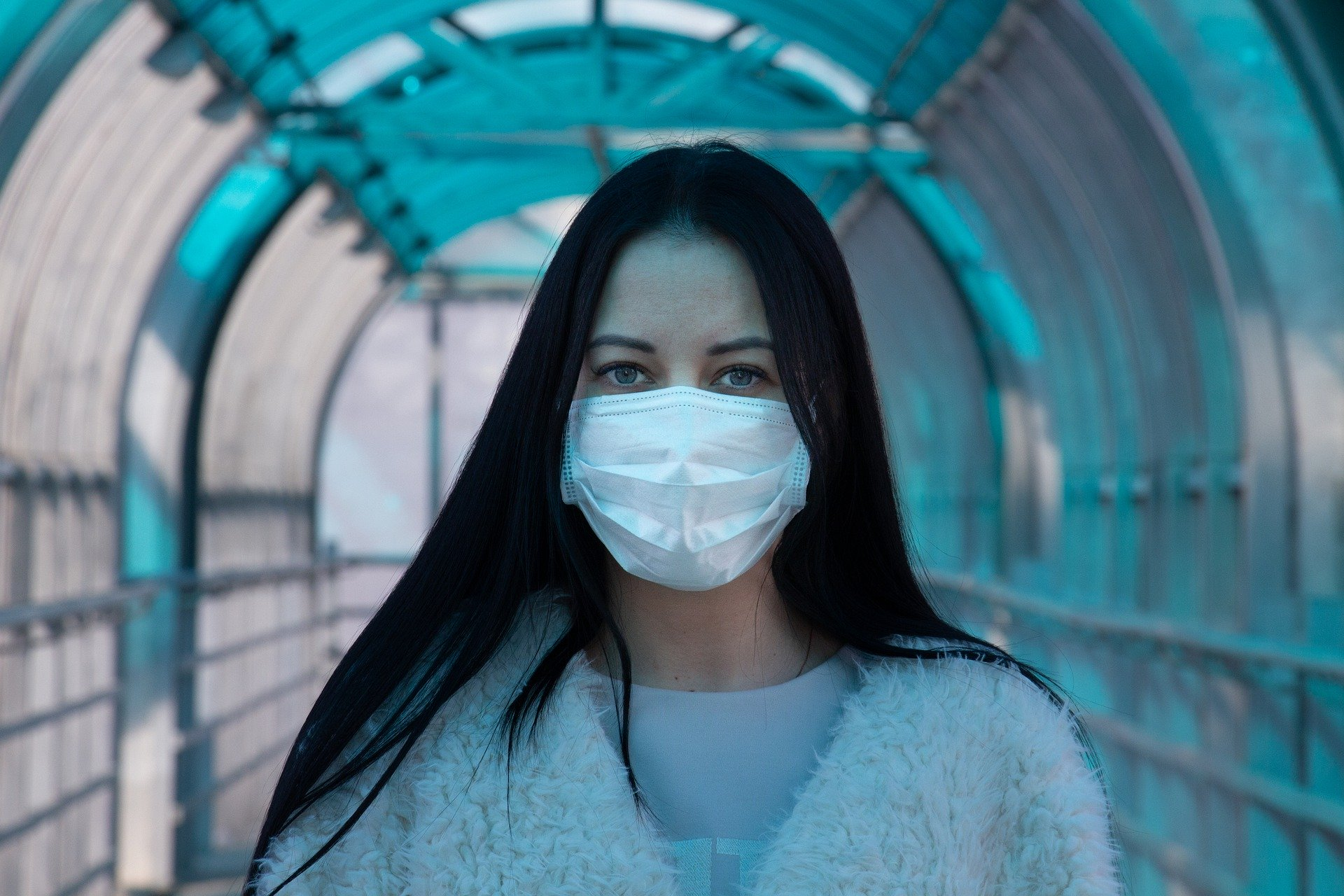covid 19 mulher de máscara